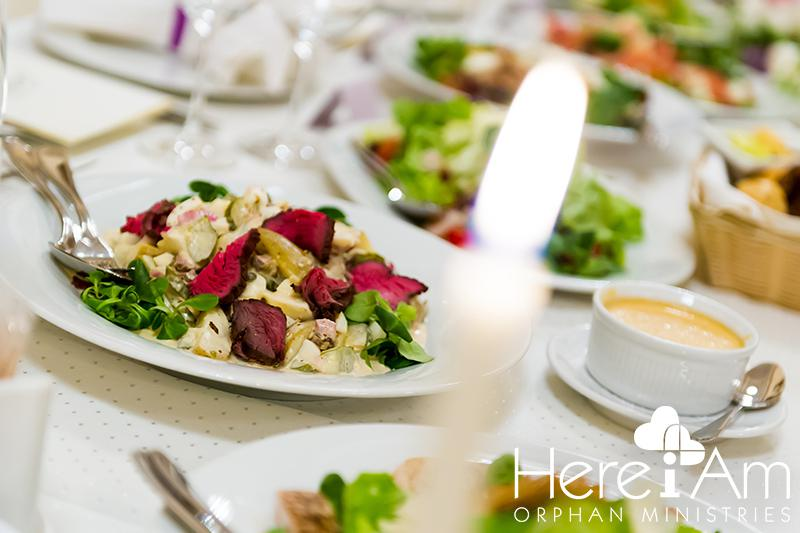 dinner party-min